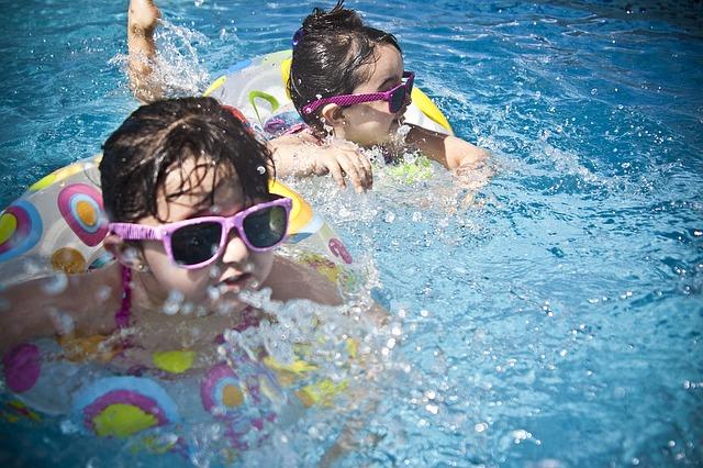 cloro piscinas y caries
